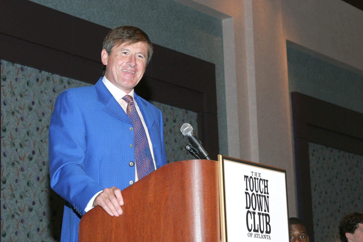 11-1-04 Craig Sager introducing Tommy Bowden to the TCA