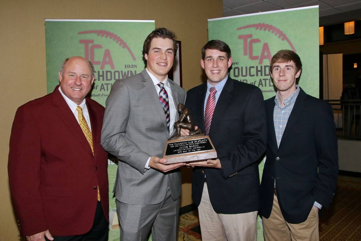 Jacob Eason receiving the Bobby Dodd Award